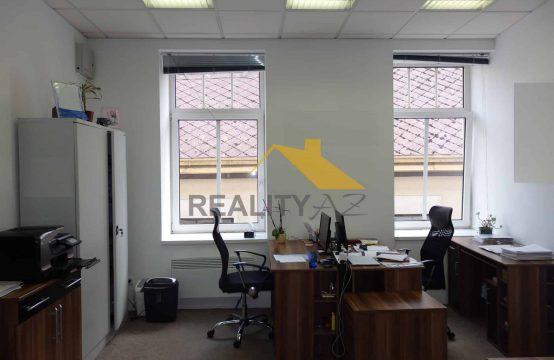 Pronájem, dvě kanceláře v centru Náchoda